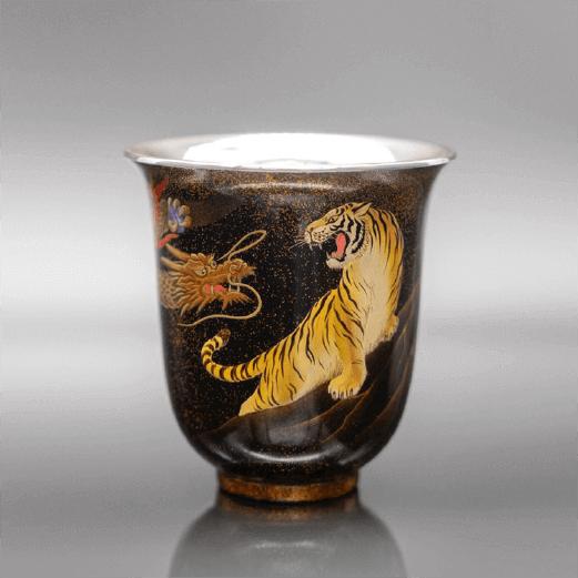 [漆銀カップ]<br>中国福建省の漆器店からのご依頼で、中国茶用の器を作成しています