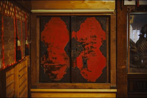 """輪島塗が日本を代表する工芸品として評価される理由1.""""地の粉(じのこ)""""の発見"""